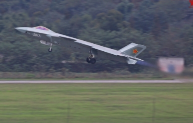 J-20 Fighter Takes Part In First Combat Exercises